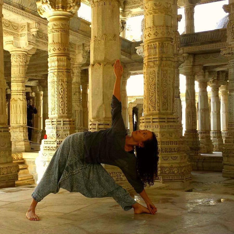 Rajasthan-Mandir-Trikonasan